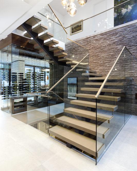 Attirant Mono Stringer Stair / Box Steps / Top Mount Handrail
