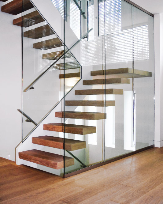 stringer cantilevered / box steps / box landing / stringer to stringer glass / side glass mount handrail / anodized aluminum handrail