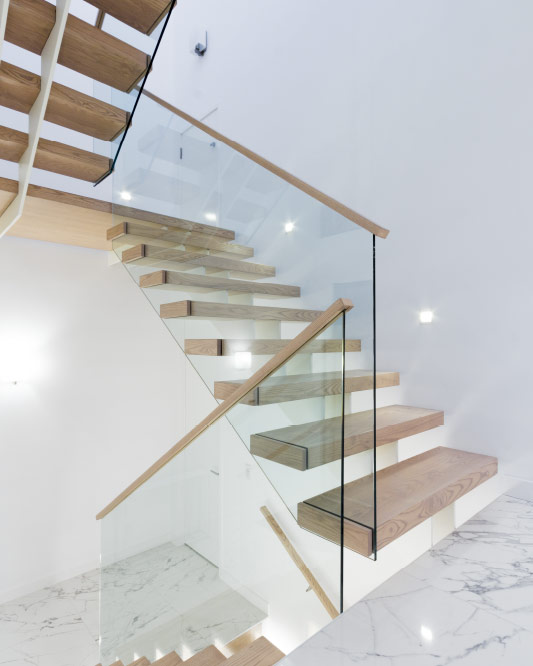 twin stringer / box steps / glass top mount handrails